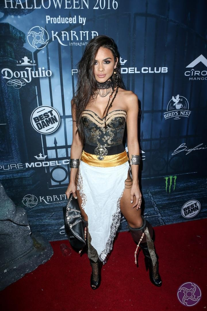 2016 Maxim Halloween Party photo j3fdwt83q2g2f46-31081-720x1080.jpg