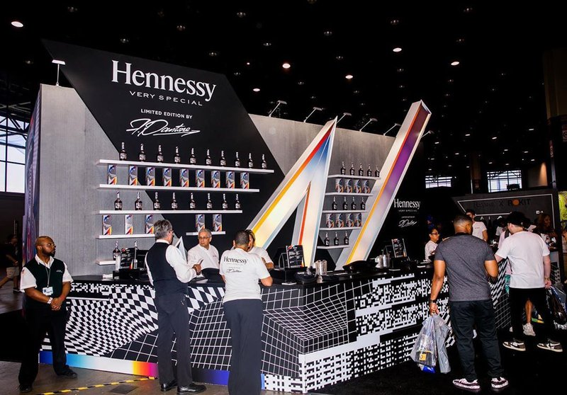 Hennessy - Complex Con '19 photo 67448021_2119485498160048_4864151269931925501_n.jpg