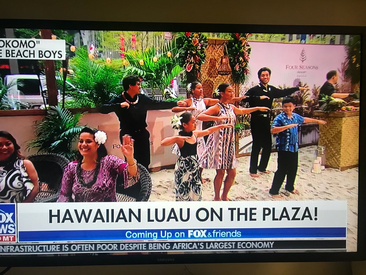 Hawaiin Luau on the plaza photo IMG_6917.jpg