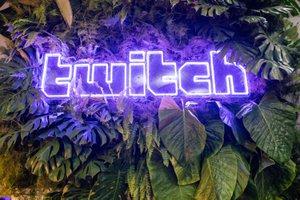 Twitch RIVALS & Diamonds @ TwitchCon  photo Sign_Green.jpg