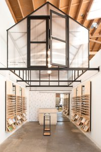 Warby Parker Flagship photo Warby Parker Pop-Up-1.jpg