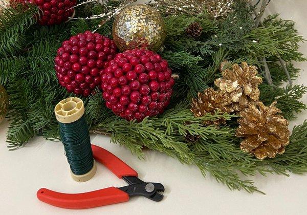 Holiday Wreath Kits service photo