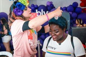 Bubly Sparkling Water at LA Pride photo OHelloMedia-BublySparklingWater-LAPrideParade-TopSelect-00521.jpg