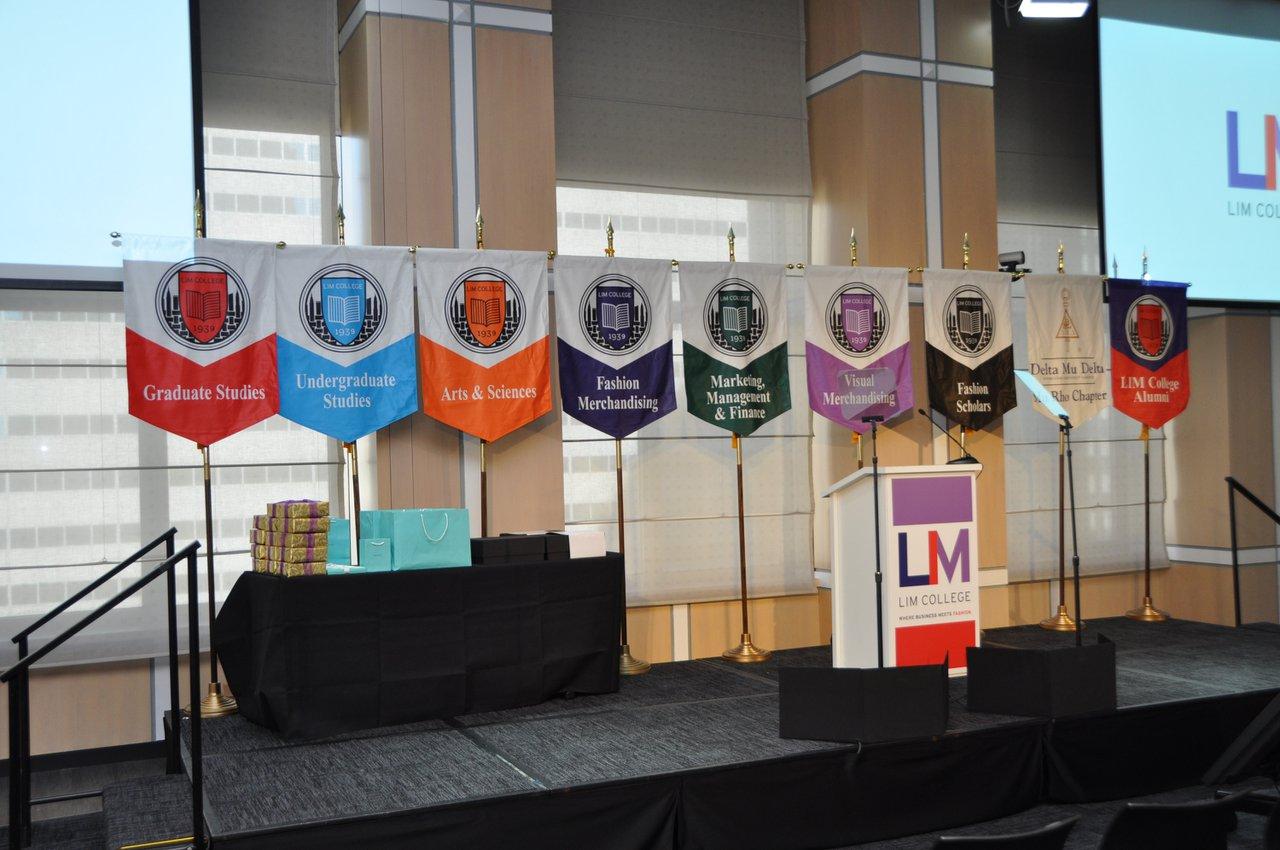 LIM College Annual Convocation photo dsc_0037_40119610921_o.jpg