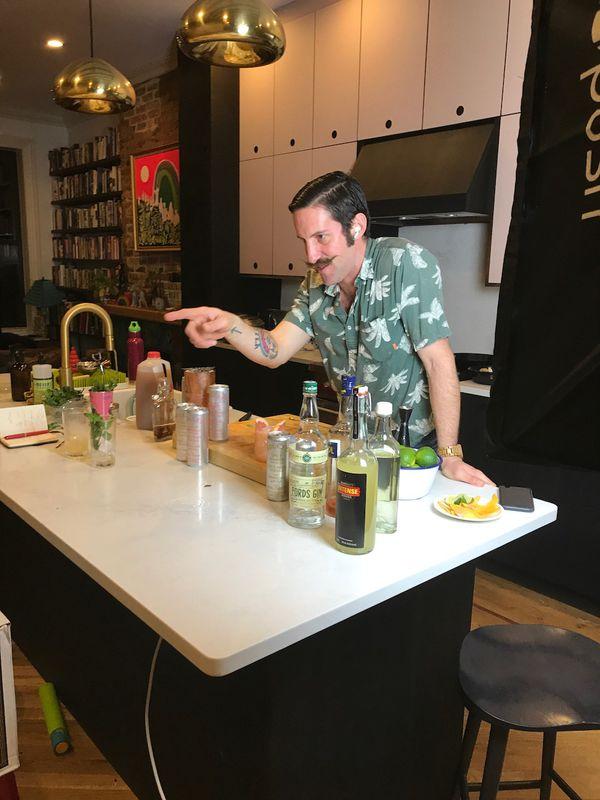 Virtual Cocktail Class service