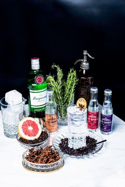 VIRTUAL COCKTAIL KITS photo gin and tonic-full-redo.jpg
