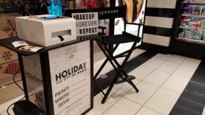 MAKE UP FOR EVER - Holiday Gift Magic photo 20181116_125755.jpg