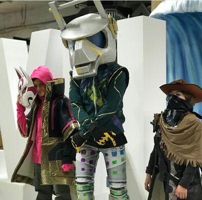 Costume Design: 3278A43F-A392-41EB-B10B-D476E6ADA85C.jpg