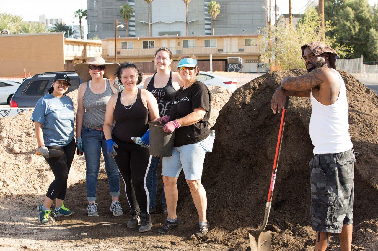 Healing Garden Volunteer Day photo Web_SS1_4257.jpg