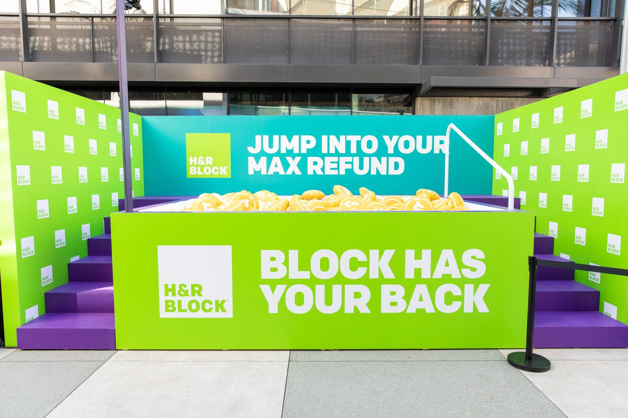 H&R Block Refund Dive cover photo