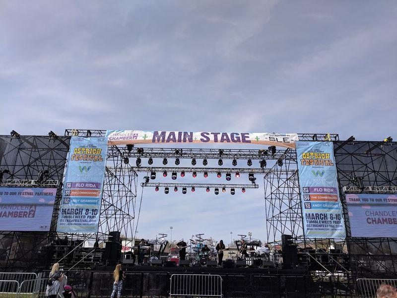 Ostrich Fest w The Commodores & Flo Rida