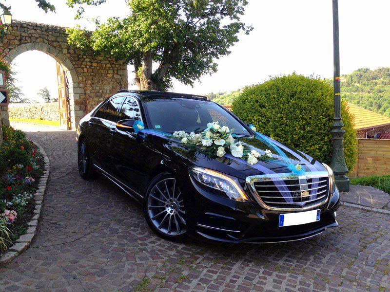 Chicago Limo Service photo Black Mercedes chauffeur- for the Wedding.jpg