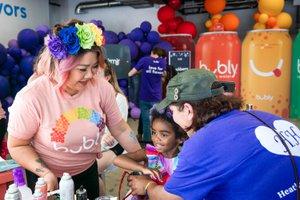 Bubly Sparkling Water at LA Pride photo OHelloMedia-BublySparklingWater-LAPrideParade-TopSelect-09814.jpg