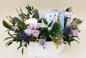 Virtual Event Boxes photo arrangement-basket.jpg