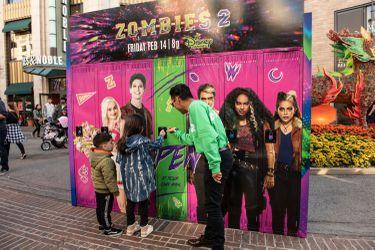 Disney's Zombies 2 - Surprise Lockers