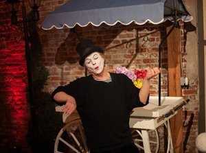 A Midnight in Paris photo Mime.jpg