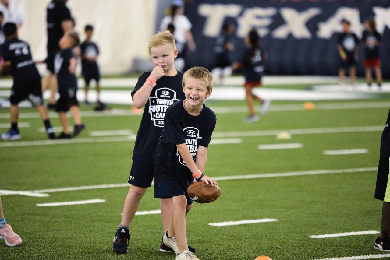 Hyundai Youth Football Camps photo OHelloMedia-Hyundai-YouthFootballCamps-Houston-TopSelect-4727.jpg