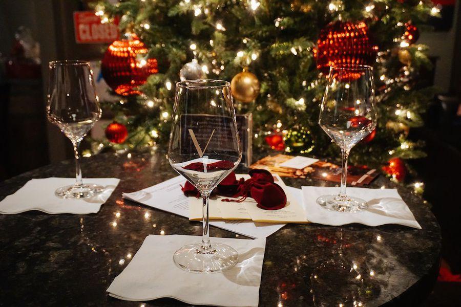 HollyTales: Holiday Wine Tasting service