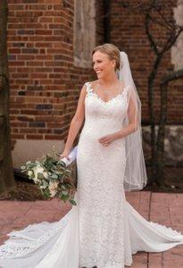 Mollie & Garrett Wedding photo Getting Ready Wedding Photos Pine Knob Mansion-119.jpg