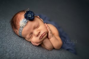 Fine art newborn photography photo 9995C65A-E5FB-4EF7-9C5C-89E36CF2FED6.jpg