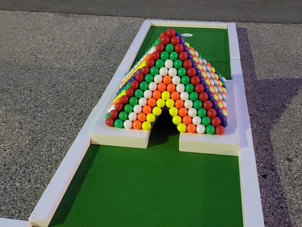 Thomas Jefferson University Welcome Week photo Mini-Golf-Rental-Philly-Rainbow-Pyramid-Obstacle.jpg