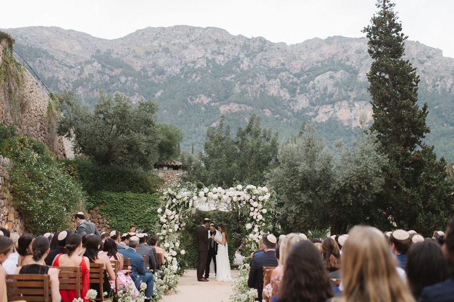 Rachel and Derek's wedding ceremony