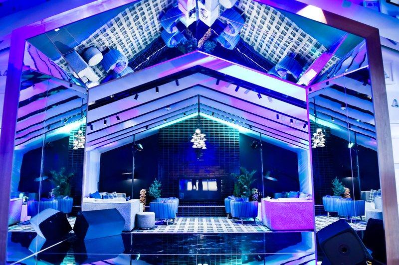 W Bellevue Grand Opening