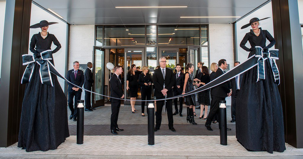 Saks Fifth Avenue, VIP Opening photo ABC_8148-XL[1].jpg