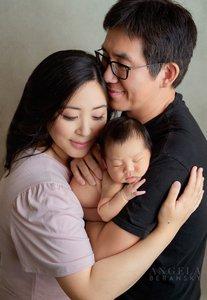 Fine art newborn photography photo 92A421EF-3774-4AE5-B880-169AB6A1187B.jpg