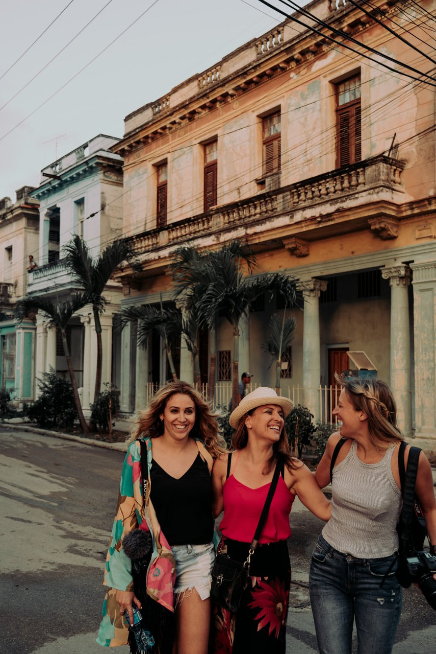 Cuba Retreat photo girls.jpg