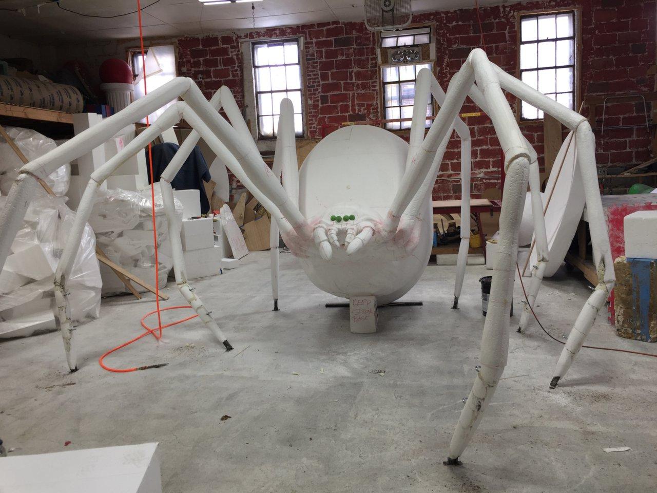 GIGANTIC Black Widow Spider Sculpt photo 0D561A35-8DA6-464C-ABA1-401D251C686D.jpg