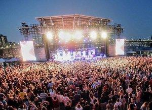 Pier 17 Summer Concert Series photo The Struts stage Pier 17 - PC Ryan Muir ryanmuirphoto.jpg
