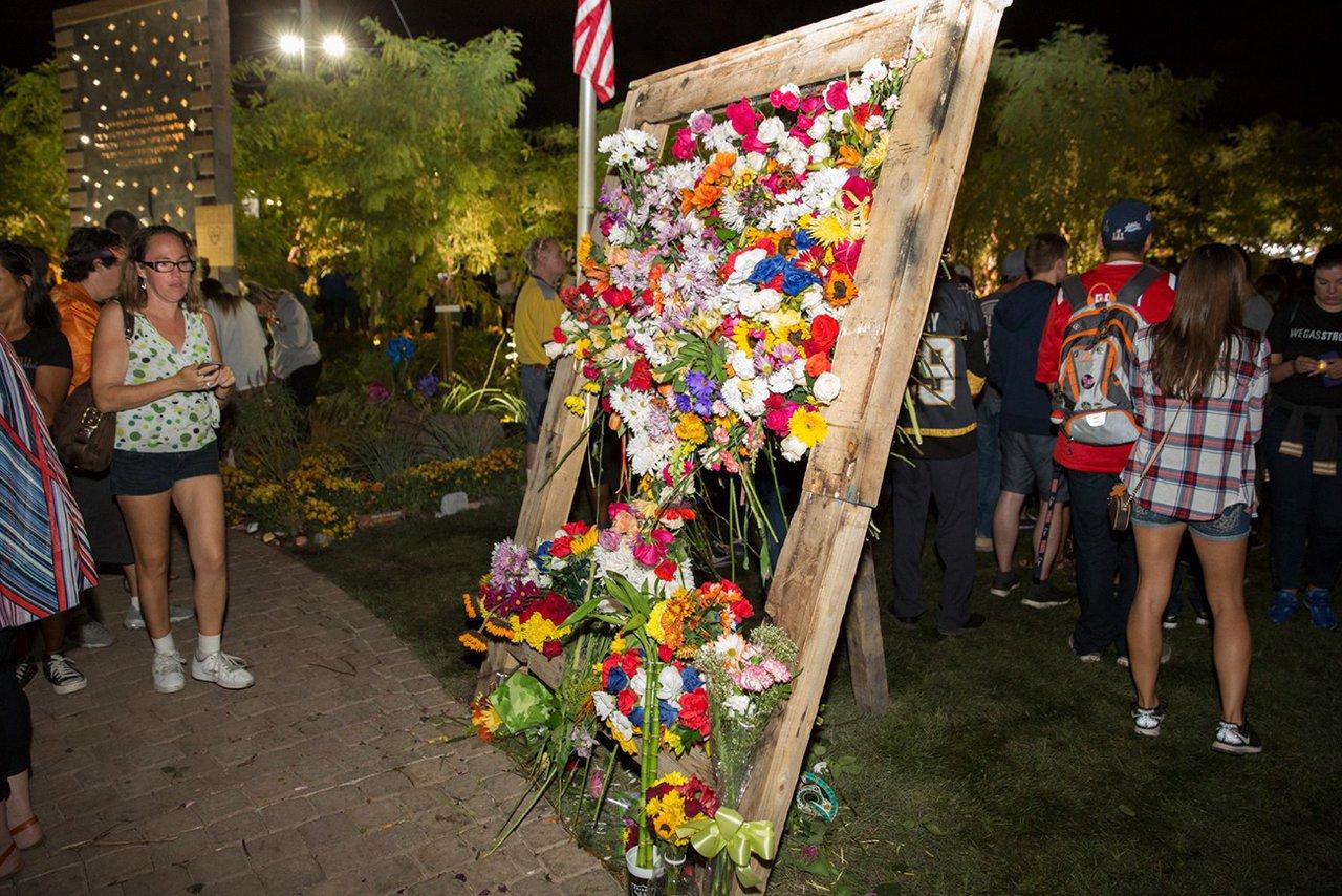 Healing Garden Memorial Event photo WEB_HGDM_281.jpg