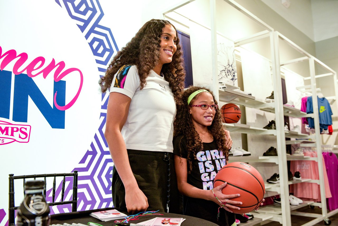 Skylar Diggins  x PUMA: Women's Win Week photo OHelloMedia-PUMA-SkylarDiggins-TopSelect-82351.jpg