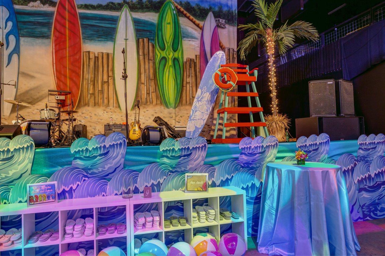 Hawaiian Holiday Party photo HA2014_Decor-11 copy.jpg