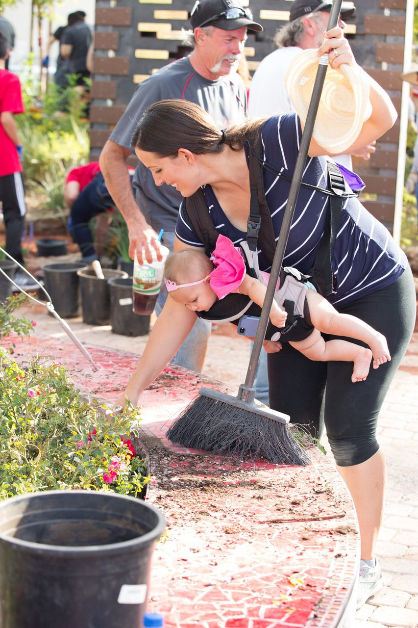 Healing Garden Volunteer Day photo Web_SS1_4427.jpg