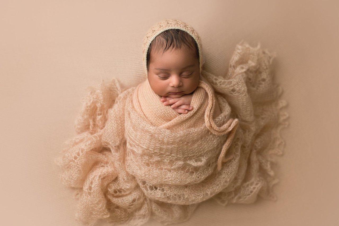 Fine art newborn photography photo E4943CAB-F556-4245-8997-7B9B379FC562.jpg