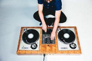 DIY DJ  photo dartdjs-040515-humans-seamless-010 - Santiago RD.jpg