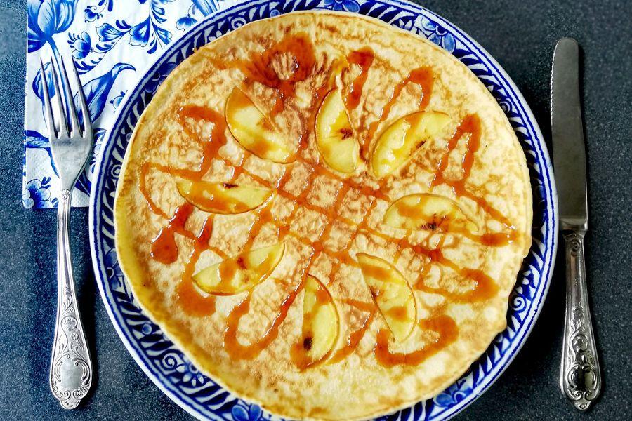Learn To Make a Dutch Pancake: TravelingSpoon_CoverPhoto_Fusina_DutchPancake.jpg