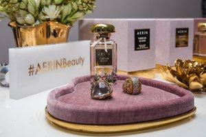 Aerin at Sothebys photo 1555707157184_Aerin%20at%20Sothebys-40.jpg
