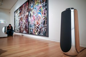 Sotheby's and Bang & Olufsen photo 1555707555335_Sotheby's%20x%20B%26O-4%20(1).jpg