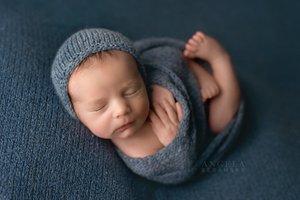 Fine art newborn photography photo CC121760-7564-4E0A-A6EA-73E573DC7022.jpg