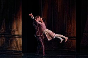 Ukrainian National Ballet Tour photo IMG_9818 copysmaller-4400-94-200.jpg