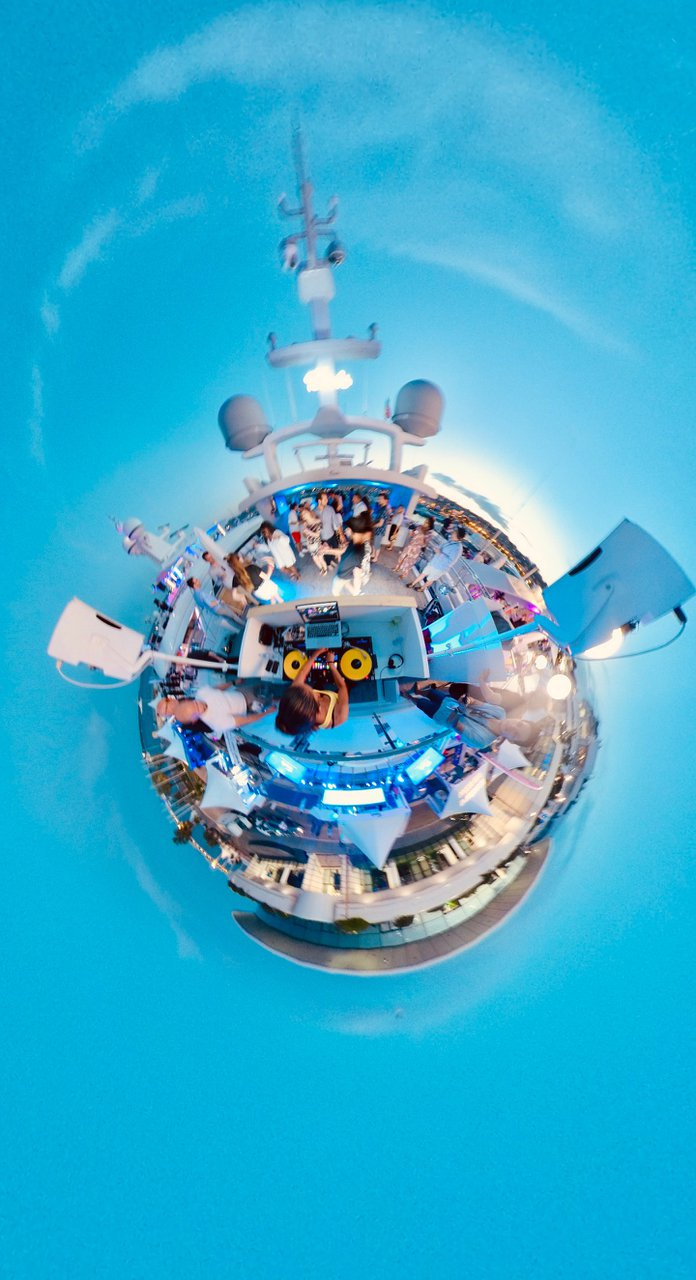 Teads at Cannes Lions  photo 373-Snapshot_201906170_210600-3.jpg