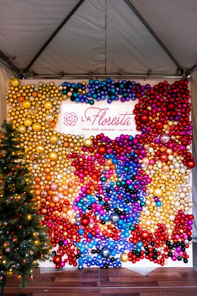 La Floresta Holiday Photo Booths  cover photo