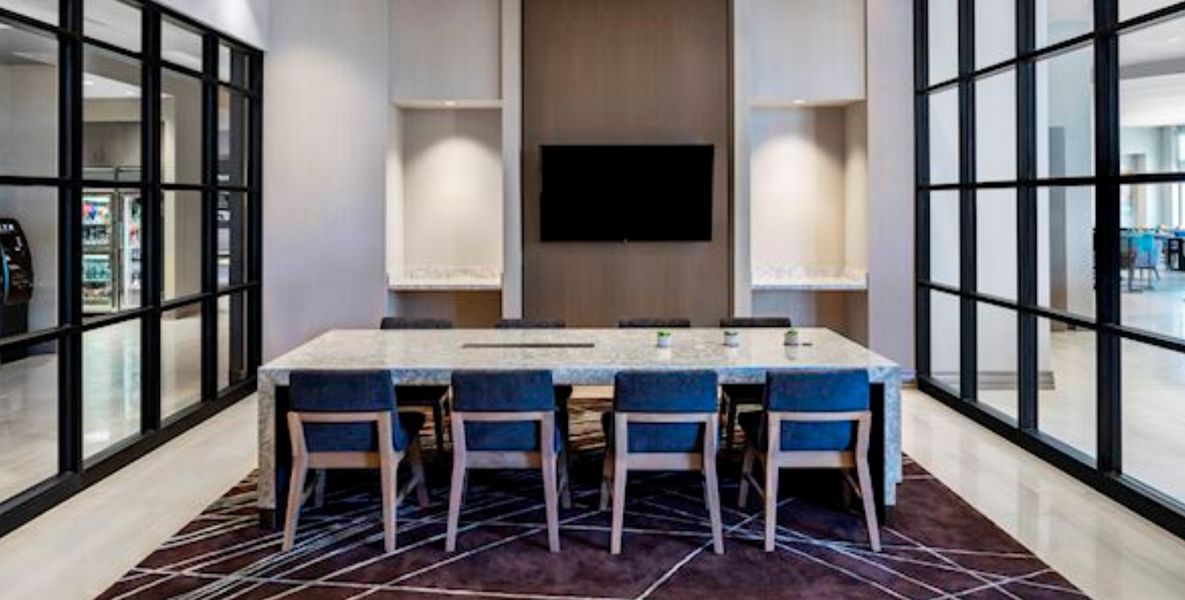 Arterra Restaurant and Lounge