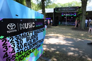 Music Den At Lollapalooza photo 30971499337_5103cd11ee_o.jpg