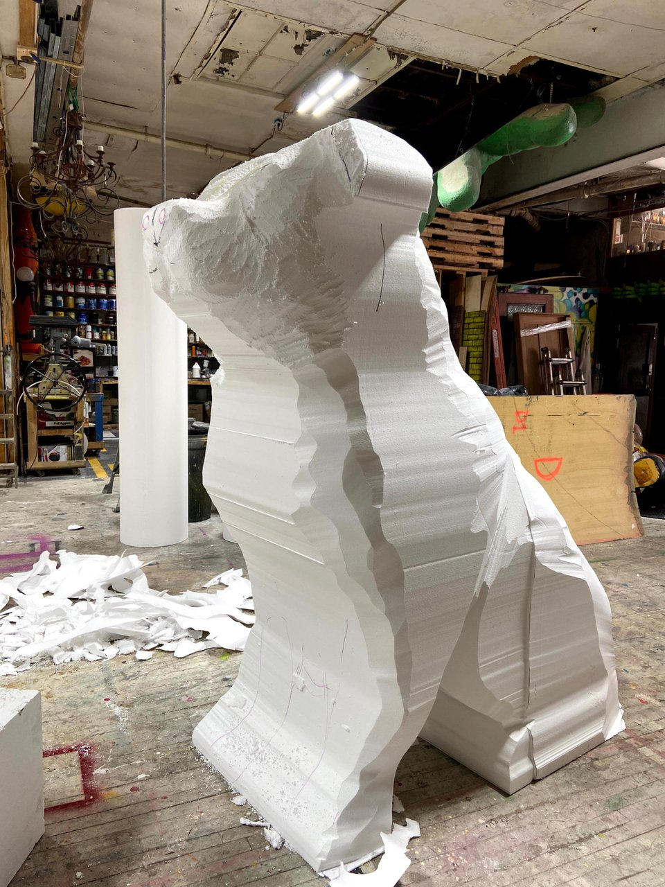 Fomo - 8 ft. Topiary Dog Sculpt photo 55512D55-0D95-4A98-91EF-083E575CFF95.jpg