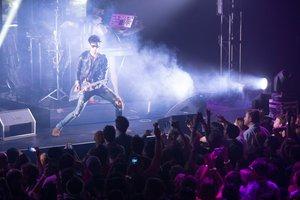 Social Suite + Social Stage photo chromeo guitar crowd sxsw.jpg