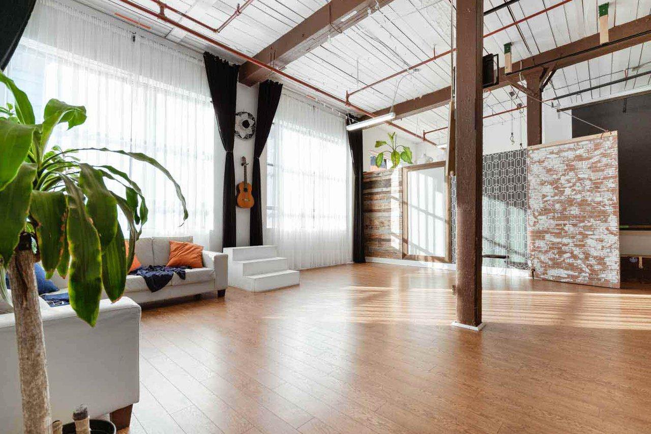 THAT Toronto Studio - Event Venue Rental photo Client-area-facing-shooting-area-THAT-Toronto-Studio.jpg